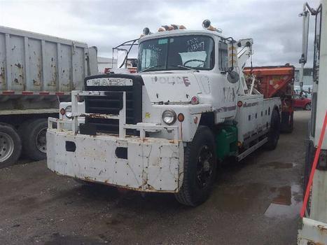 1987 Mack Dm686X (Medford, NY 11763)