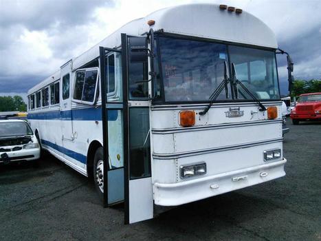 1989 Thomas 3895N Bus (Hartford, CT 06114)
