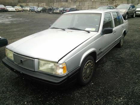 1990 Volvo 740 GL (Hartford, CT 06114)