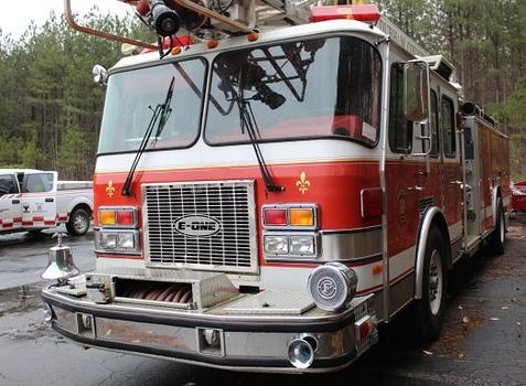 1993 E-One Cyclone Fire Truck - 75' Ladder (Durham, NC 27704)