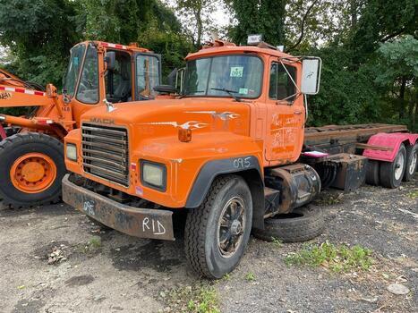 1993 Mack 600 (brookl, ny 11214)