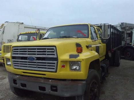 1994 Ford F700/7000 (Medford, NY 11763)