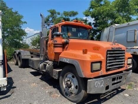 1994 Mack 600 (brookl, ny 11214)