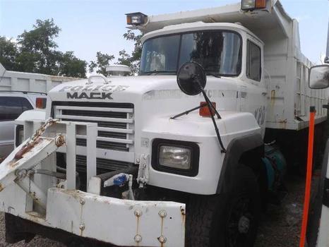 1996 Mack Rd608 (Brooklyn, NY 11214)