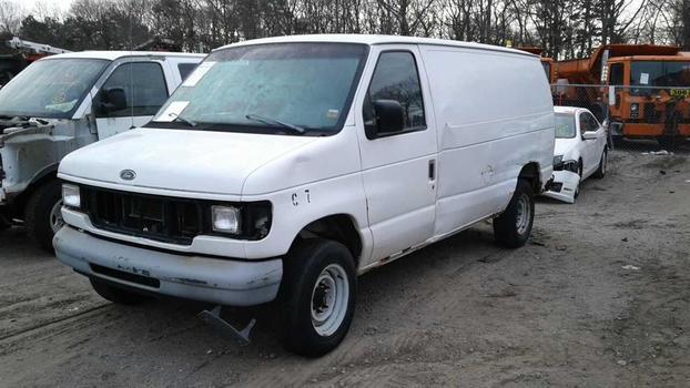 1998 Ford E250 (Medford, NY 11763)