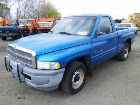 1999 Dodge Ram 1500 (Hartford, CT 06114)