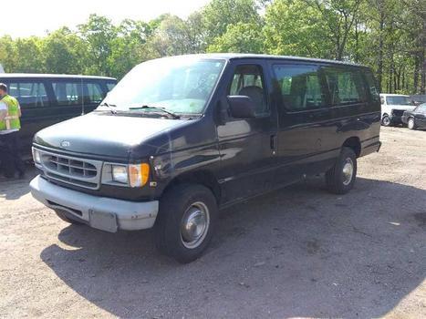 1999 Ford E350 (Medford, NY 11763)
