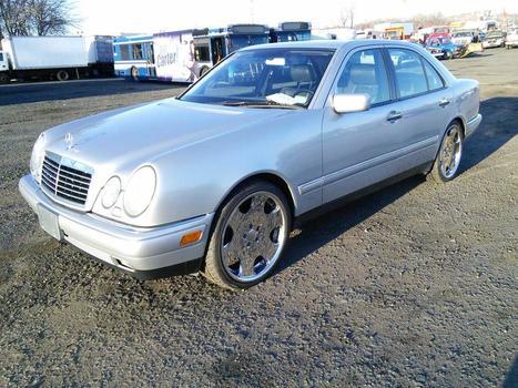 1999 Mercedes E430 (Hartford, CT 06114)
