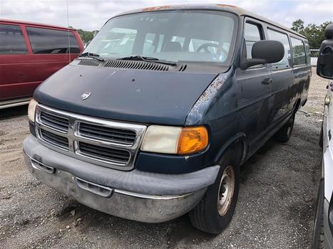 2000 Dodge Ram Wagon (Medford, NY 11763)