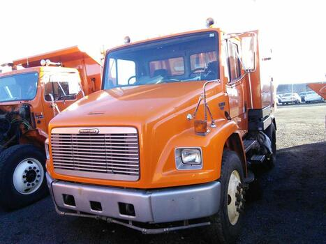 2000 Five Star (Freightliner) Broom Bear (FL42H) (Hartford, CT 06114)