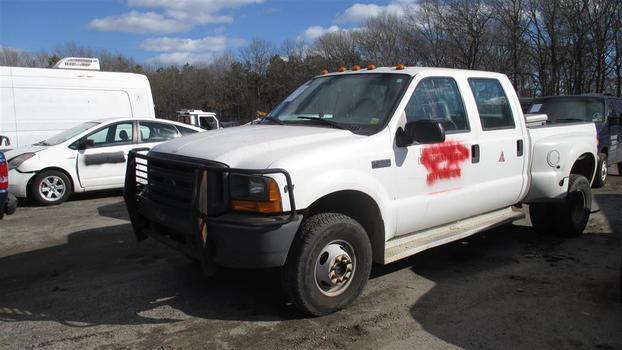 2000 Ford F350 (Medford, NY 11763)