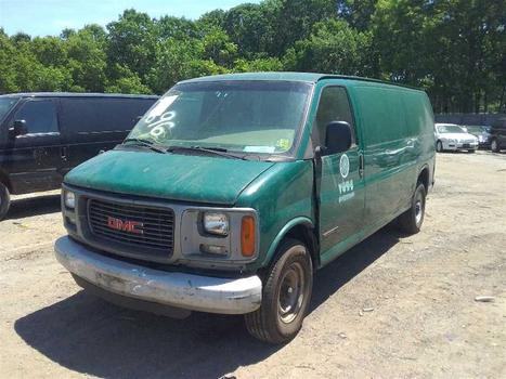2000 GMC Savana (Medford, NY 11763)