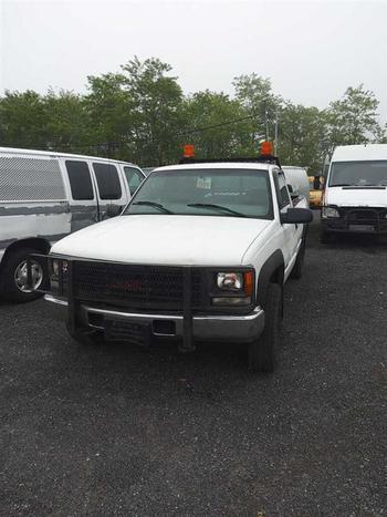 2000 GMC Sierra (Brooklyn, NY 11214)