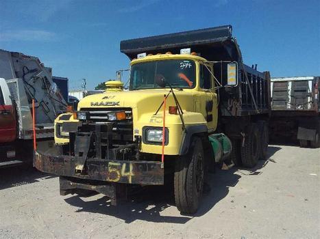 2000 Mack Rd688Sx (Medford, NY 11763)