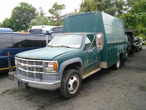 2001 Chevrolet C3500 HD (Hartford, CT 06114)