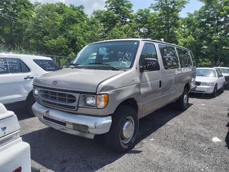 2001 Ford E350 (Brooklyn, NY 11214)