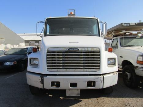 2001 Freightliner/Elgin Street Sweeper (El Centro, CA 92243)