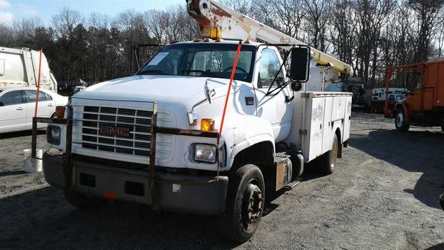 2001 GMC C6500 (Medford, NY 11763)