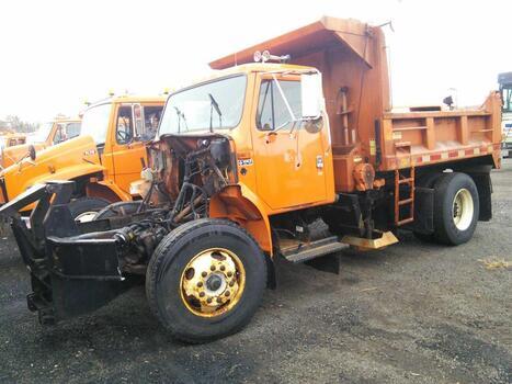 2001 International 4900 4X2 (Hartford, CT 06114)