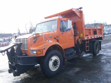 2001 International 4900 4X2 (Hartford, CT 06114)