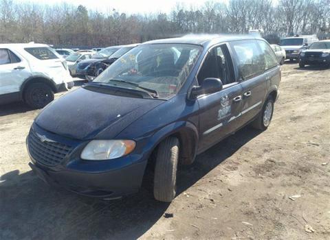 2002 Chrysler Voyager (Medford, NY 11763)