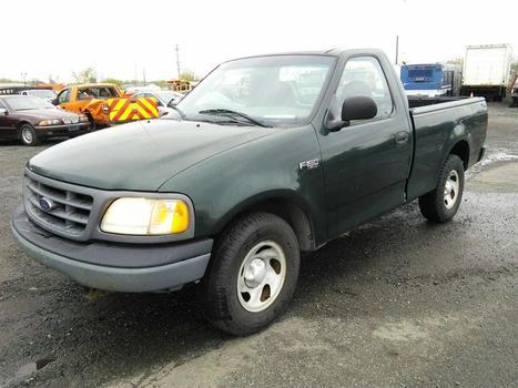 2002 Ford F150 (Hartford, CT 06114)