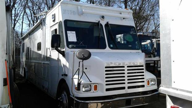 2002 Freightliner Mt55 (Medford, NY 11763)