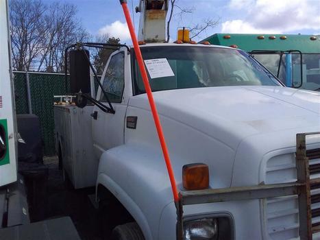 2002 GMC C6500 (Medford, NY 11763)