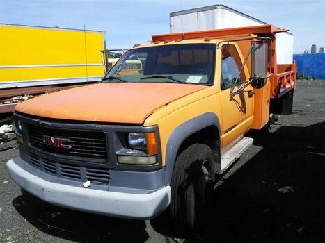 2002 GMC TC31403 (Hartford, CT 06114)