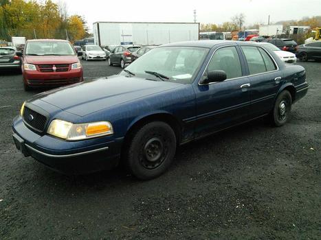 2003 Ford Crown Victoria (Hartford, CT 06114)