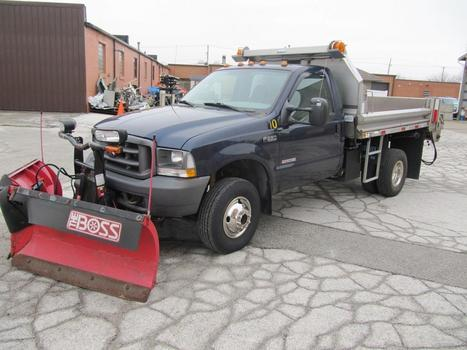 2003 Ford F-350 SD w/Plow and Salt Spreader 4X4 (Northwood, OH 43619)