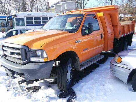 2003 Ford F550 (Hartford, CT 06114)