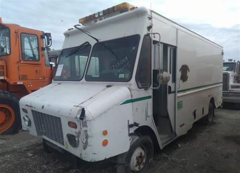 2003 Freightliner Mt45 Chassis (Medford, NY 11763)