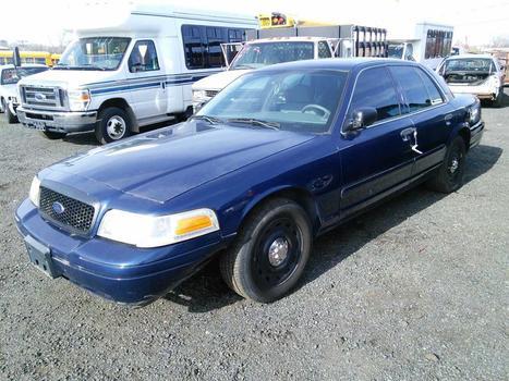 2004 Ford Crown Victoria (Hartford, CT 06114)