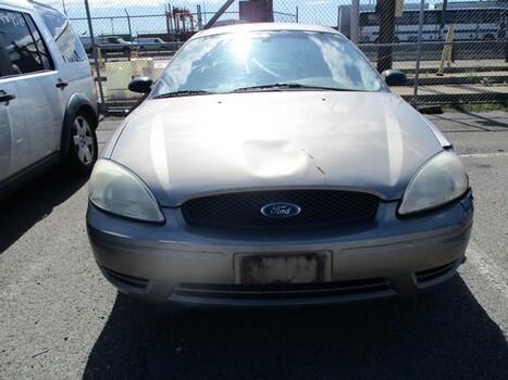 2004 Ford Taurus (Newark, NJ 07114)