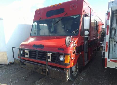 2004 GMC P31442 (Medford, NY 11763)