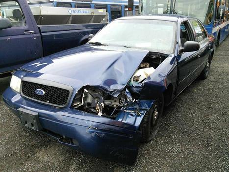 2005 Ford Crown Victoria (Hartford, CT 06114)