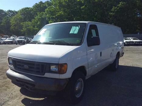 2005 Ford E350 (Medford, NY 11763)