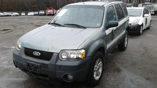 2005 Ford Escape Hybrid (Medford, NY 11763)