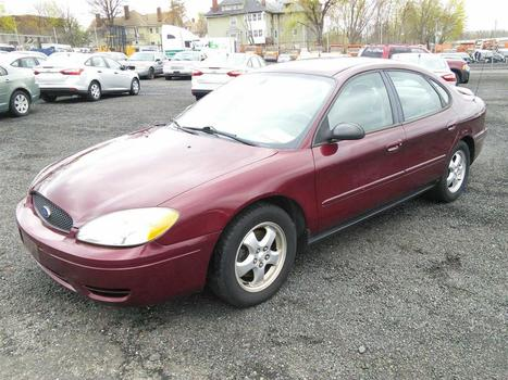 2005 Ford Taurus (Hartford, CT 06114)