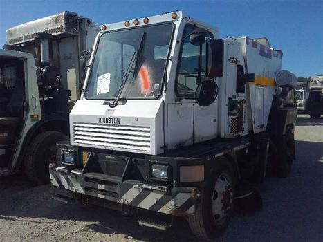2005 Johnston 4000 (Medford, NY 11763)