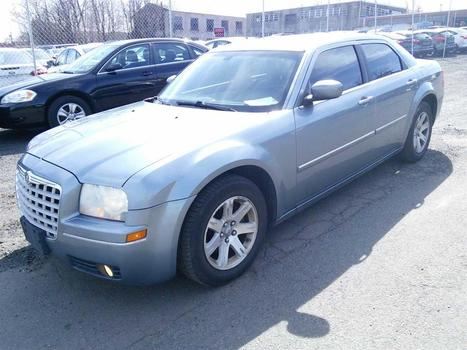 2006 Chrysler 300 (Hartford, CT 06114)