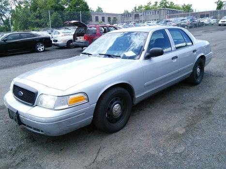 2006 Ford Crown Victoria (Hartford, CT 06114)