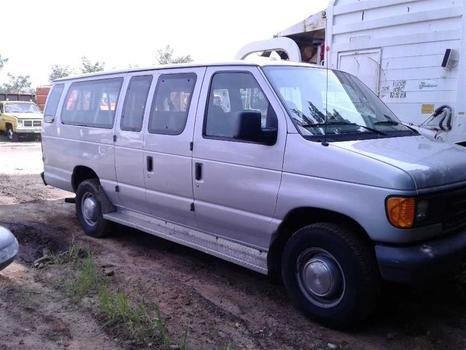 2006 Ford E350 (Brooklyn, NY 11214)