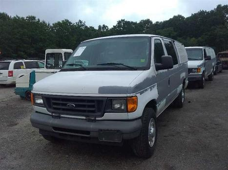 2006 Ford E350 (Medford, NY 11763)