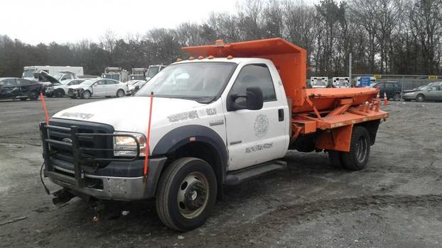 2006 Ford F550 (Medford, NY 11763)