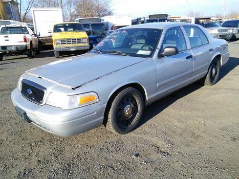 2007 Ford Crown Victoria (Hartford, CT 06114)