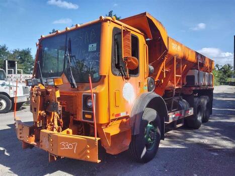2007 Mack Mr688S (Brooklyn, NY 11214)