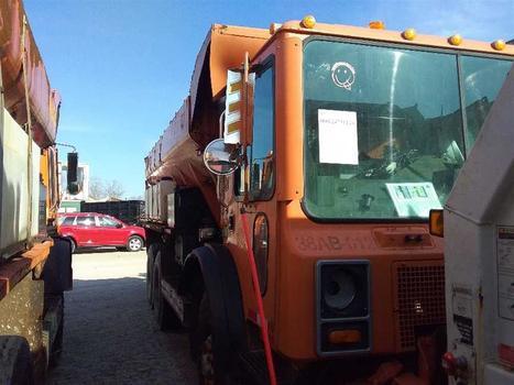 2007 Mack Mr688S (Medford, NY 11763)