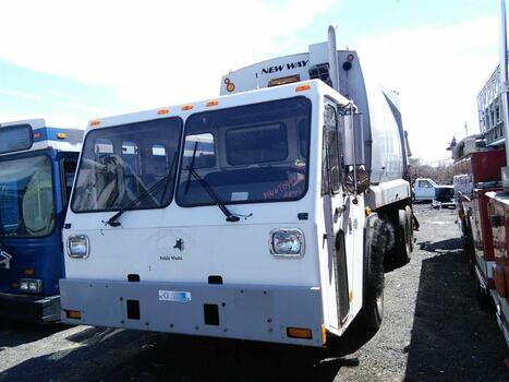2009 Crane Carrier Recycle Truck (New London, CT 06320)